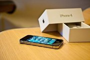 BUY 2 IPHONE 4 32GB OR BLACKBERRY TORCH GER 1 FREE