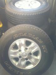 4x TOYOTA CRUISER wagon rims & tyres